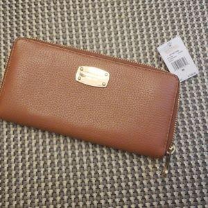 NWT Michael Kors Continental wallet